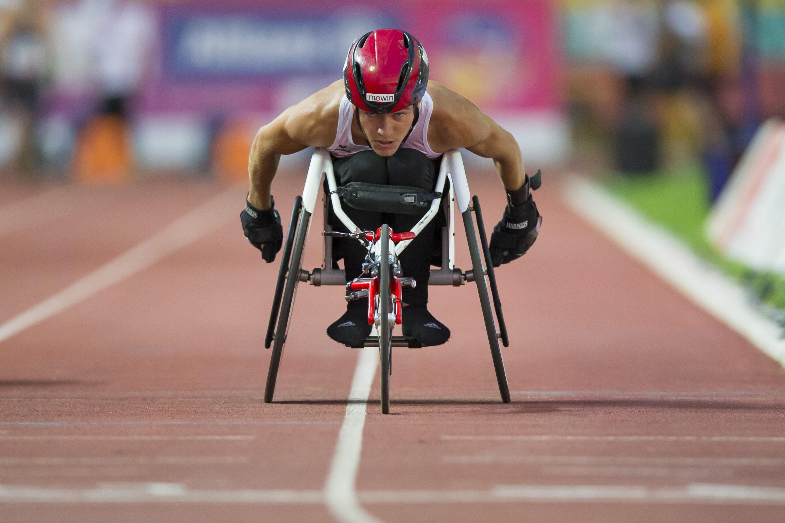 Fabian Blum rollt an der EM in Berlin mit dem Rollstuhl zu EM-Bronze über 1500m